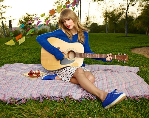 Taylor Swift Stay Stay Stay Lyrics Video Letra Traduccion Al Espanol Mensaje Oculto Y Significado Mermaid Things