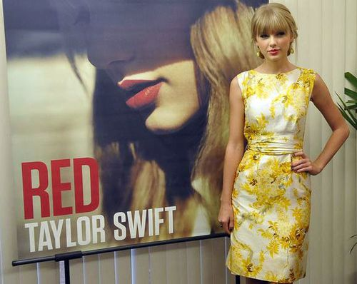 taylor-swift-2012-rio-de-janeiro-red-press-conference.jpg
