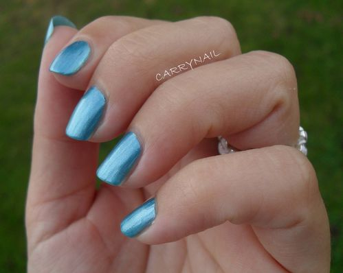 Essie Beach Bum Blu 5