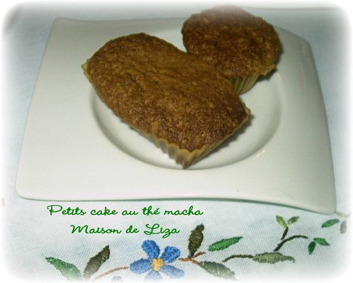 petits-cake-au-the-macha.JPG