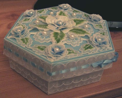 Boite fleurs hexagone perga