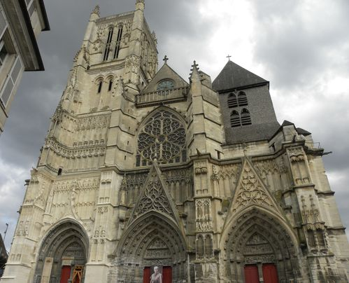 Cathedrale Meaux1