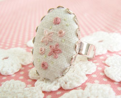 http://img.over-blog.com/500x407/2/07/00/63/photo-blog/tuto-bague-brodee-056.JPG