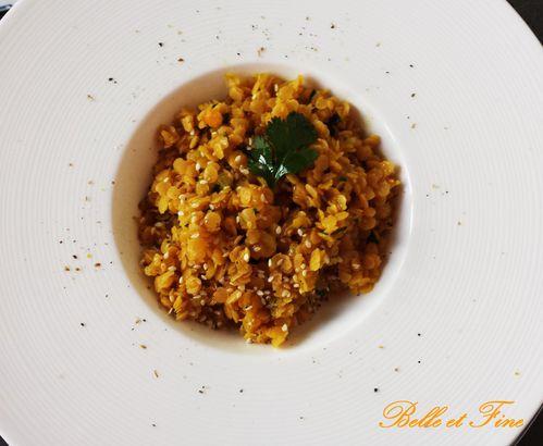 Salade-de-lentilles-corail--sauce-au-citron--miel-et-curry.jpg
