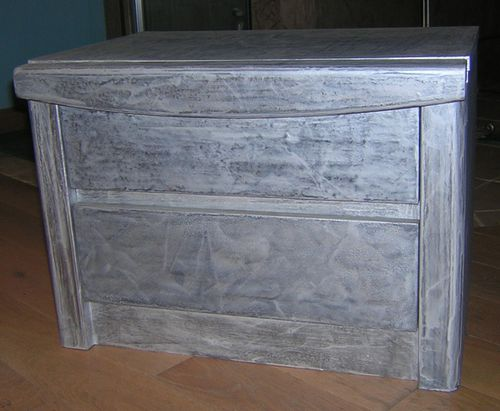 Effet ceruse sur meuble maison design for Peindre un meuble cire