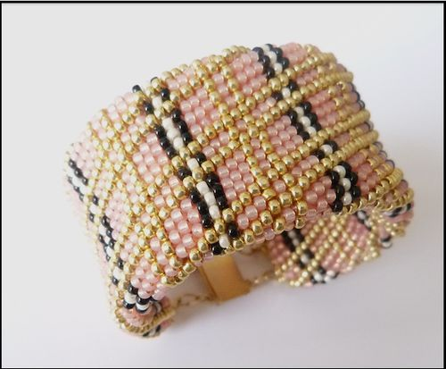 bracelet crocheté plat
