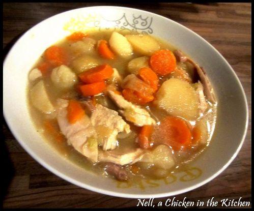 bouillon-de-poule-aux-legumes---poule-au-pot.jpg