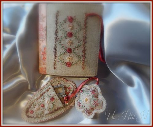 Un n cessaire de couture en broderie traditionnelle un for Necessaire a couture en or