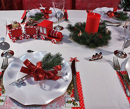 Deco table noel rouge et vert for Decoration de noel rouge et blanc