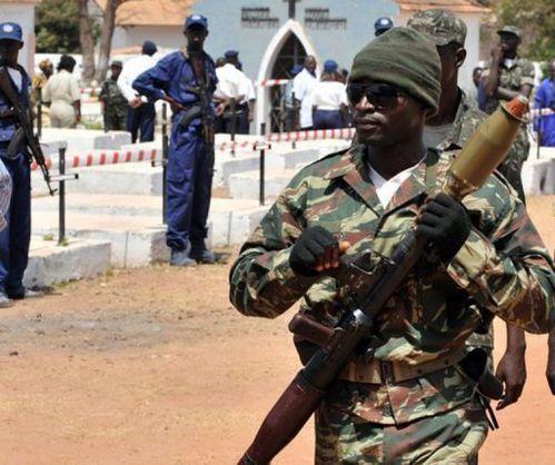 Soldat_Guinee-Bissau.jpg