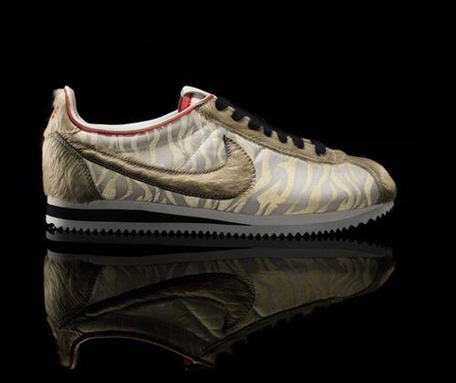 nike-sportswear-tiger-classic-cortez-front.jpg