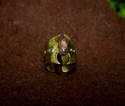 bijoux-Il-etait-une-joie-Bague-Amethyste-symbole-celte.jpg
