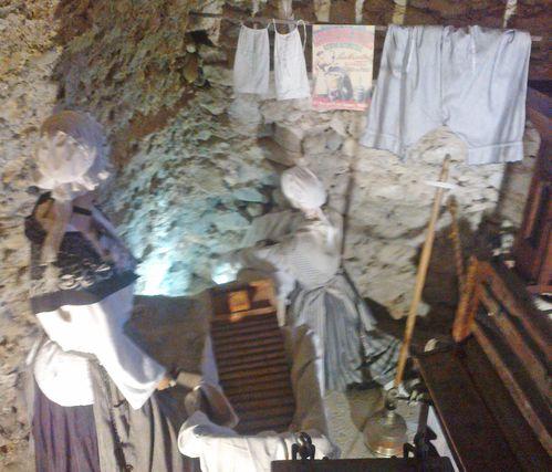 cave lavandieres