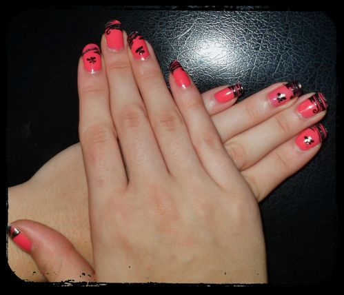 nail-art-pink-french-strie-2.jpg