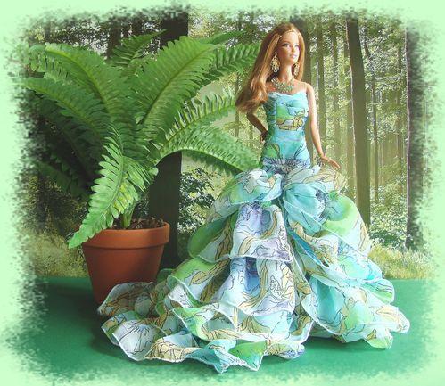 25 La poupée habillée