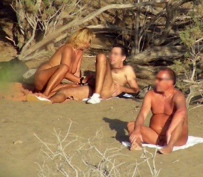 plage nudiste exhibitioniste