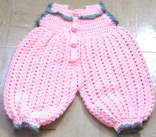 Layette-rose-dos.jpg