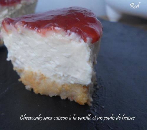 cheesecake-sans-cuisson-a-la-vanille-et-un-coulis-copie-2.jpg