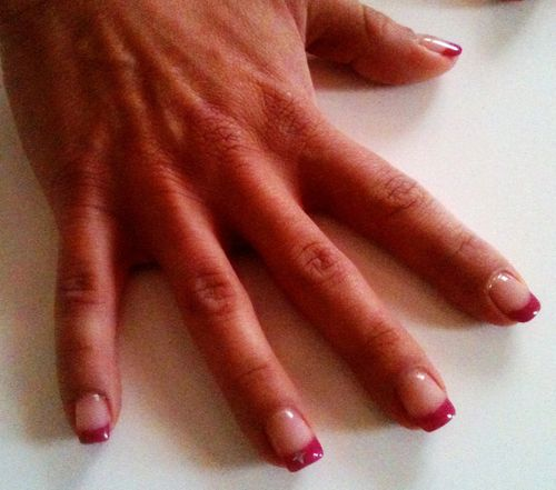 D coration french en gel french rouge d coration strass for Decoration ongle en gel