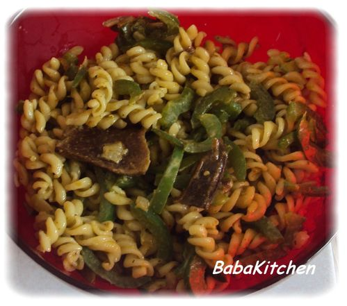 pates-pesto-poivron-champignons-secs.JPG