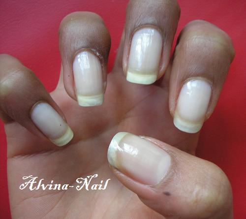 incolore-nail2--Alvina-Nail.png