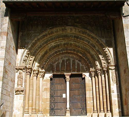 portail-monastere-Leyre.jpg