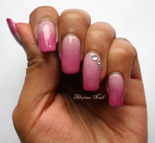 rose-degrade-strass-5--Alvina-Nail.png