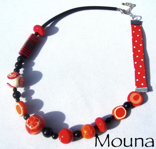 Collier Just red 2 DISPONIBLE: 26 euros.