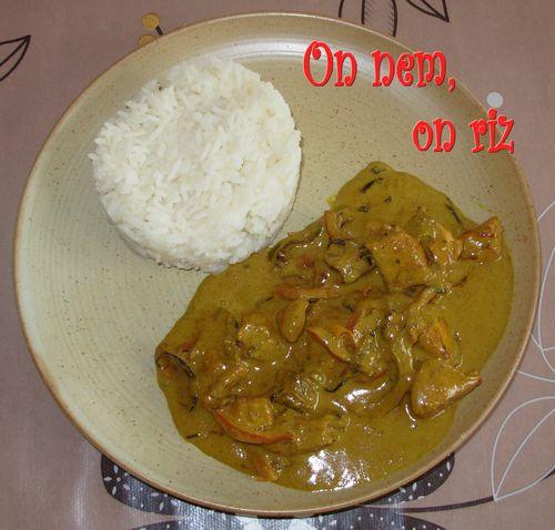 Curry de poulet au lait de coco1