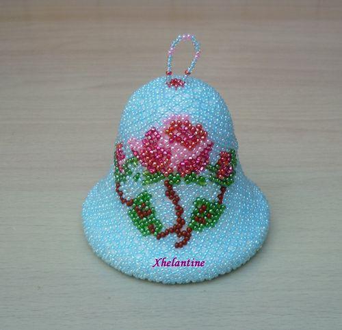 cloche bleue avec rose 1