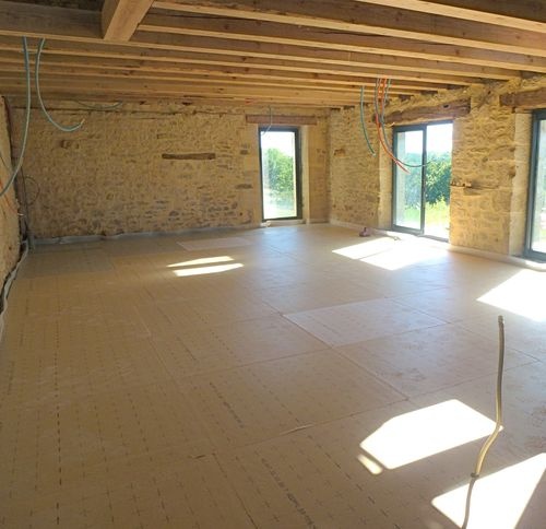 051 plancher chauffant pose de l 39 isolation grange du petit paradis. Black Bedroom Furniture Sets. Home Design Ideas