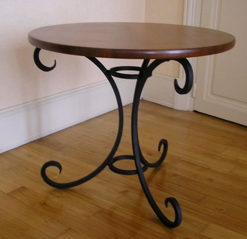 Mobilier fer forg ferronnerie 17 for Table bois pied fer forge