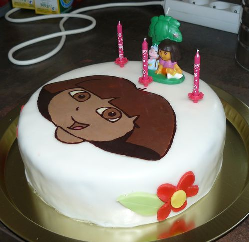 decoration gateau dora