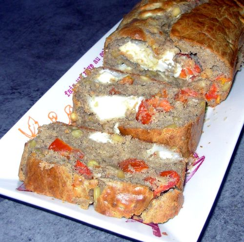 Cake sarrasin, chèvre, tomates, pignons4