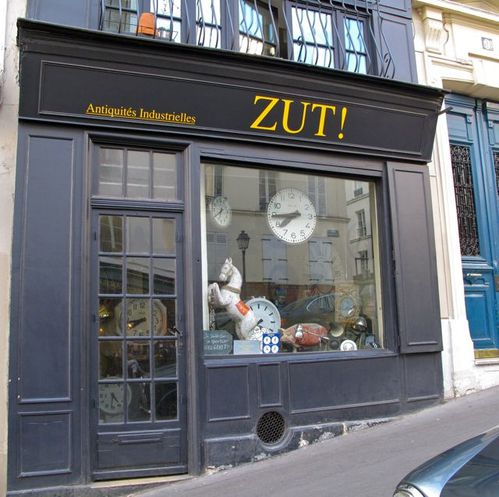 boutique-Zut-horloge-Montmartre-9475.jpg