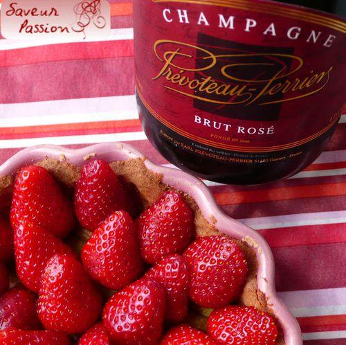 tartefraisrhubarbe-champagnerose.jpg