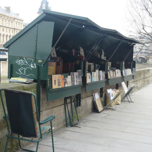 PARIS CARRE BOUQUINISTE