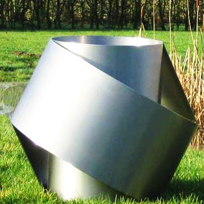 Henk-van-Putten-metal-Hexagon