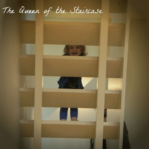 FB0703 Staircase queen