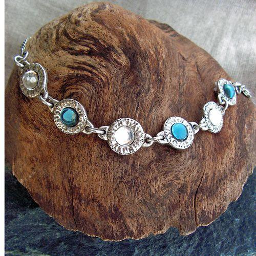 bracelet pieces metal argente medieval blanc bleu 150KO 073