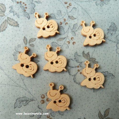 botones-madera-caracoles.JPG