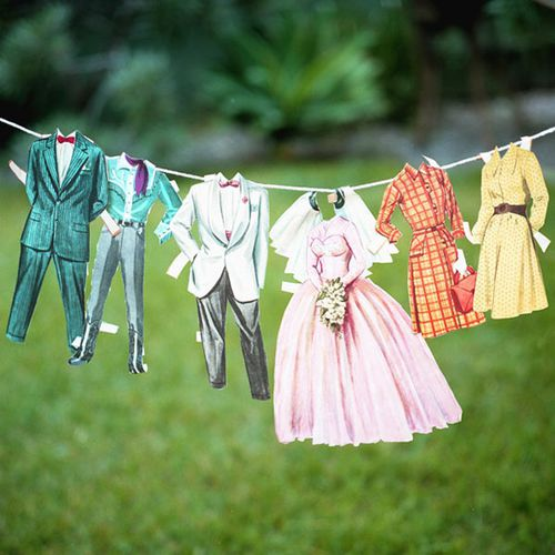 vintage-paperdoll-clothes-line-wedding-ideas-escort-cards1.jpg