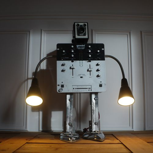 recycled robot by gille monte ruici