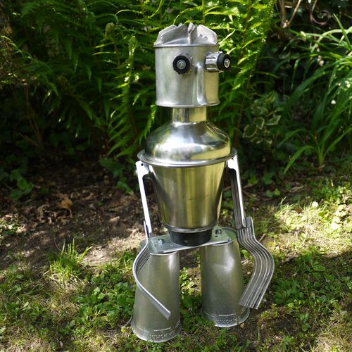 inox recycled robot