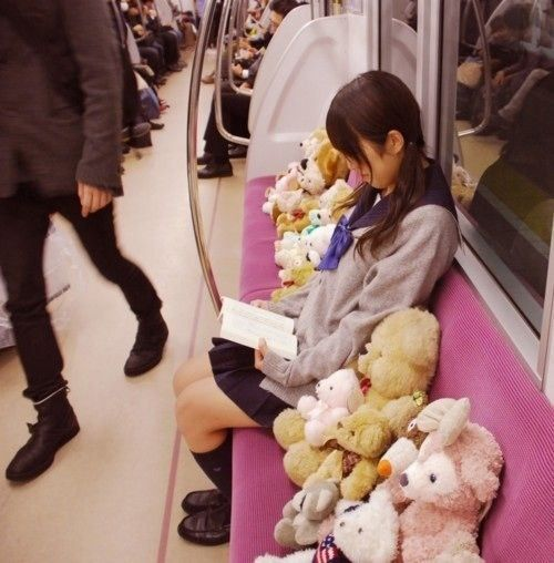 Hello Japan - Schoolgirl & her teddy bears in the train