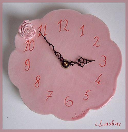 horloge-murale-fleur-rose.jpg