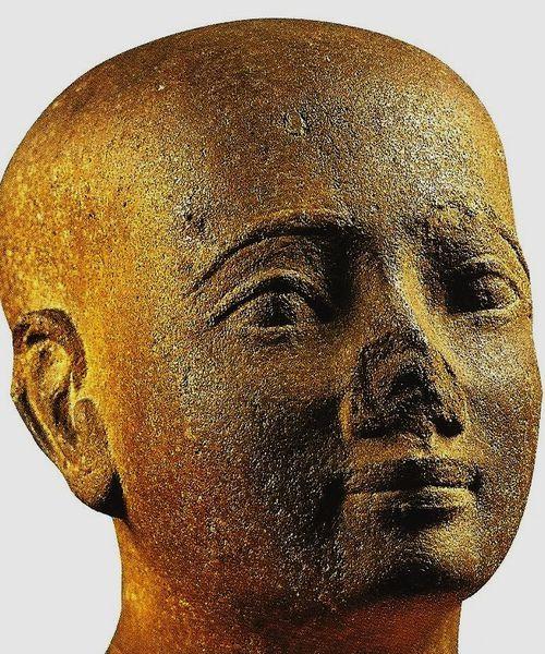 Statuette-d-Epoque-Tardive--Turin--Museo-Egizio.jpg