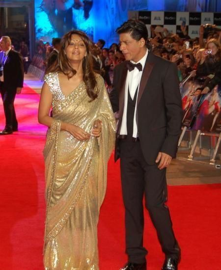Shahrukh-Khan---Gauri-at-Ra.One-premiere.jpg