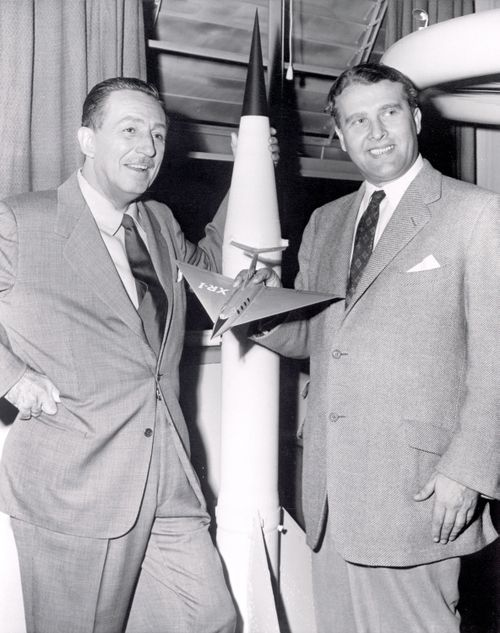 Walt Disney et Wernher Von Braun dans les annes 50