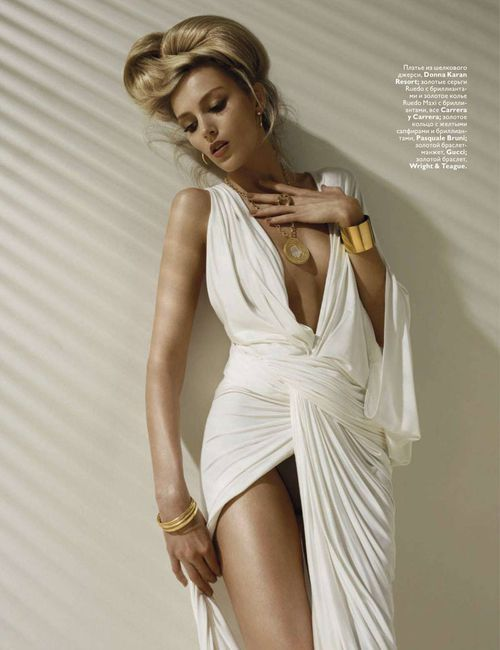 Anja-Rubik-by-Solve-Sundsbo-for-Vogue-Russia-Nov-copie-1.jpg